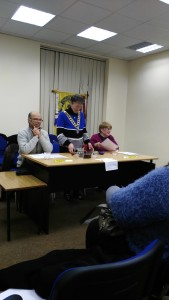 Club President Eilish Ui Bhriain introduces the meeting of Novmber 22nd 2016. On right of picture is Johanna Hegarty, Topicsmaster and (left) is Michael Sheehan preparing to act as Toastmaster or chairman of the evening.