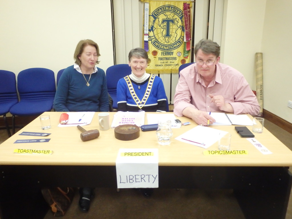 The Top Table:- Eilish Ui Bhrian, President, flanked by Toastmaster of the evening Mary Whelan (left) and Tim Fitzgerald, Topicsmaster.
